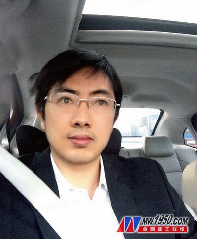 江苏扬力集团有限公司项目科科长 詹俊勇