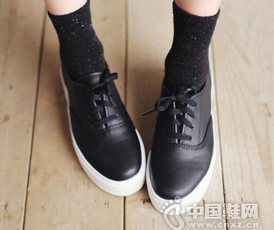 简单休闲魅力的便鞋