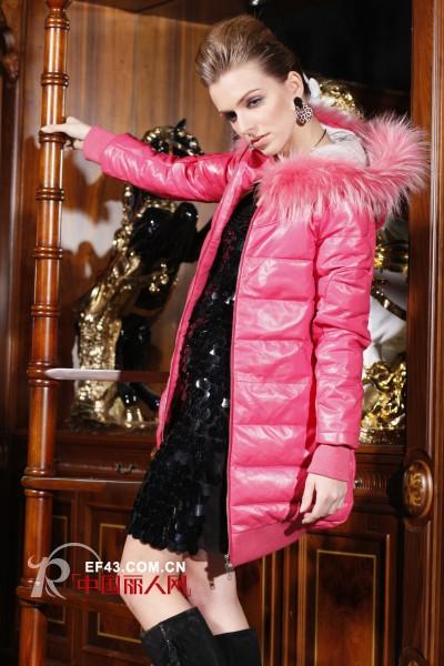 杭州湘诺服饰为您的浪漫冬日添加时尚色彩