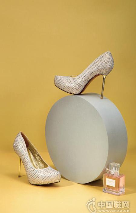DAMBOLO女鞋——以优雅取胜,将耀眼闪耀进行到底