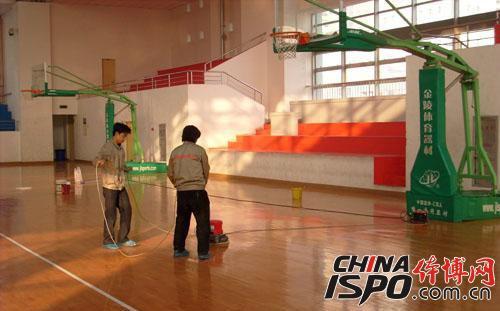 PVC运动地板清洁