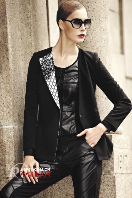 看成熟的职业女性怎么穿衣搭配?