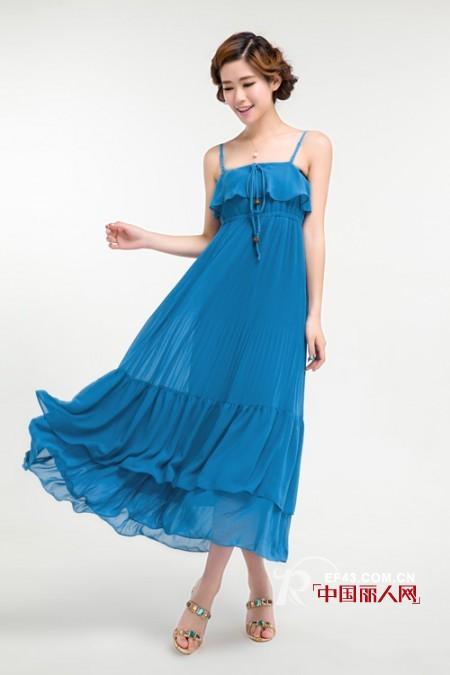 储恋时尚女装 盛夏刮起优雅浪漫长裙风