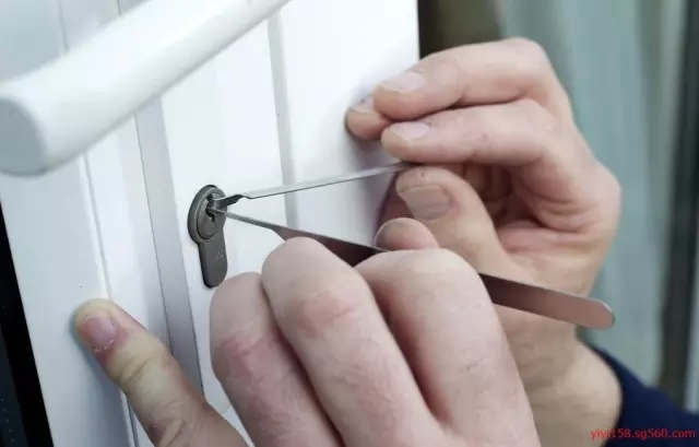 80% of locks can be opened by technical thief. How to prevent burglary in the summer?
