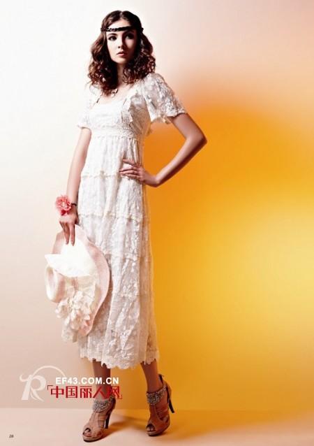 芭啦啦优雅长裙 塑造夏日里的唯美女神