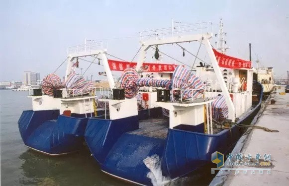 The first delivery ceremony of Weichai export trawler to Morocco