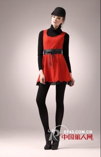 末未女装冬季红色连衣裙 穿出职场通勤人气装扮