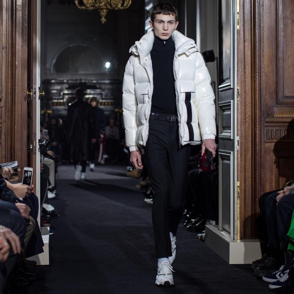 2018 Fall Winter Paris Fashion Week Valentino unlocks new ways