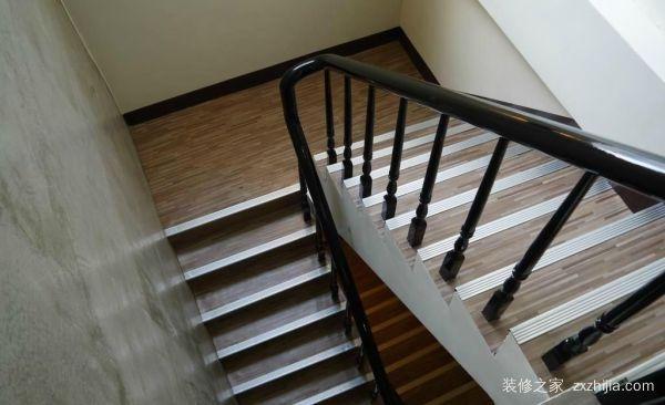 剪刀式楼梯