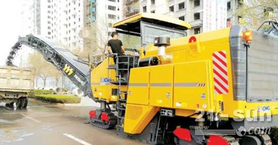 徐工XM200KII铣刨机助力济南市道路建设