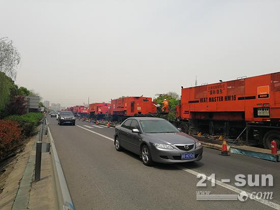 英达曾先后5次驶上苏嘉杭高速,针对不同路段的车辙、裂缝等路病开展养护施工