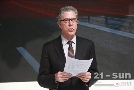 康明斯负责中国和俄罗斯业务的集团副总裁曹思德