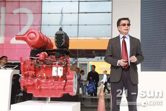 康明斯副总裁兼中国区首席技术官彭立新博士