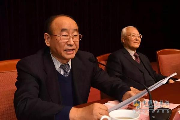 President Li Shousheng speaks