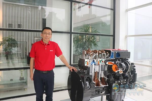 Liu Zhili and Dongfeng Cummins Six Engine