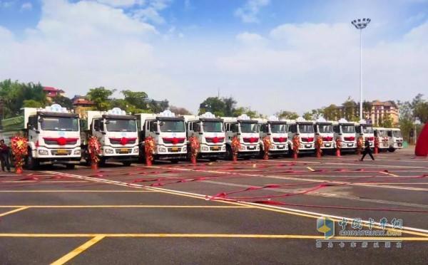 Shipped with Weichai Golden Powertrain Shaanxi Automobile Muck Truck to Xishuangbanna Customer