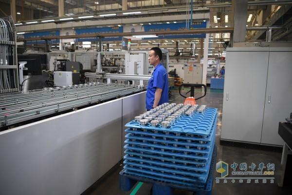 Built 6 lightweight aluminum piston automatic production lines and 5 forged steel piston automatic production lines