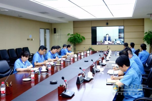 Faust's Yan Jianbo and other company leaders attended the meeting at the Fast West Xi'an High-tech Zone