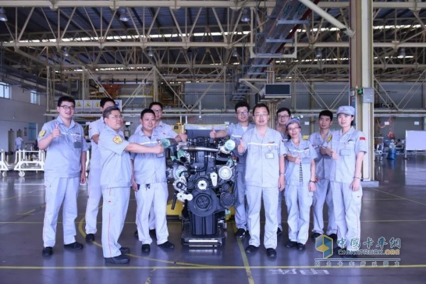Dongfeng Commercial Vehicle DDi13 Engine R&D Team