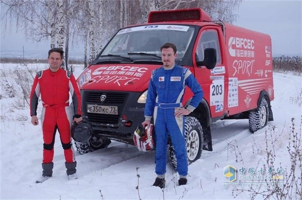 GAZ racing car equipped with ISF2.8L power