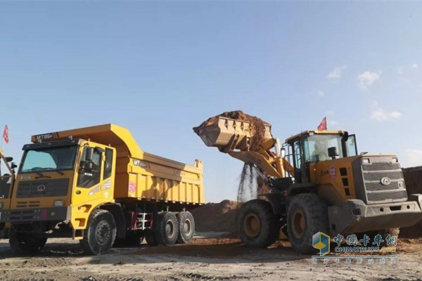 Weichai WP10 engine supporting the mining area loader