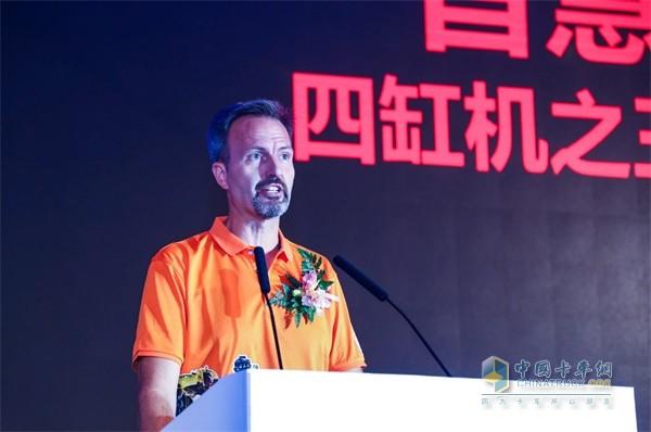 Cummins Engine Specialist, Miguel Kindler, Director of the Foton Cummins Plant