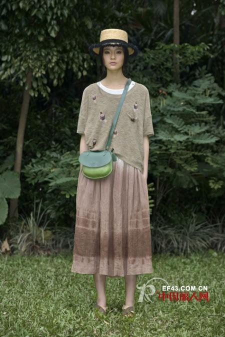 AUM品牌时尚女装 田园文艺Style穿出舒适感