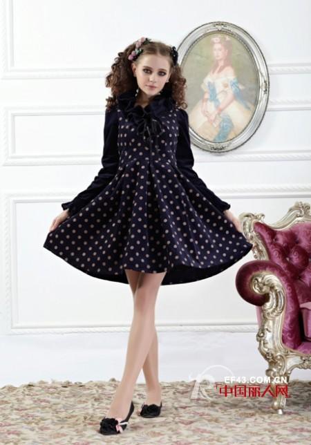 延续波点时尚 秋冬季节的美裙