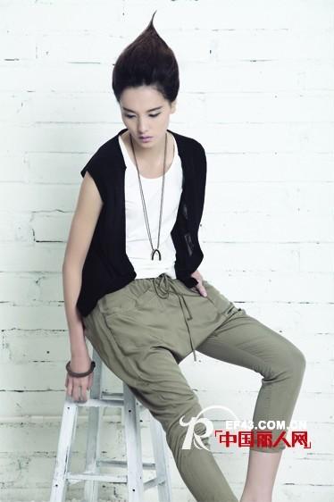 贺深圳知名品牌Dins底色女装2012新品发布会取得圆满成功