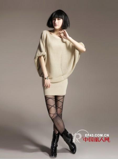 蝙蝠袖针织衫搭配 轻松穿出时尚感