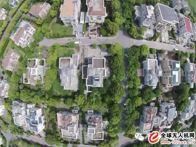 Xiao Tan teaches you how to use the drone for roof mapping