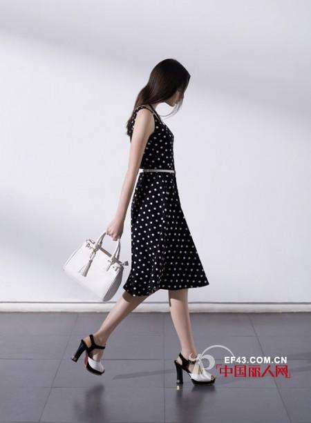 波点VS条纹 你更爱哪一款连衣裙?