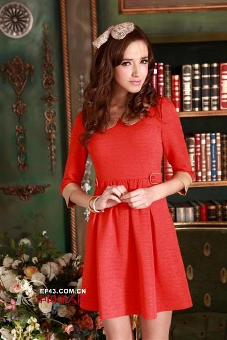 P2S冬装连衣裙 清新淑女风成为聚会焦点