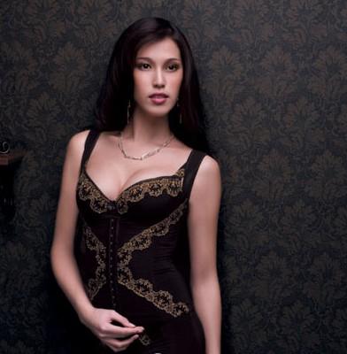 歌萨德时尚美体内衣 让女人绚丽夺目似花