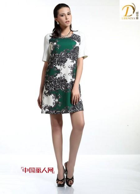二十八岁的女性穿什么合适 气场型雪纺裙推荐