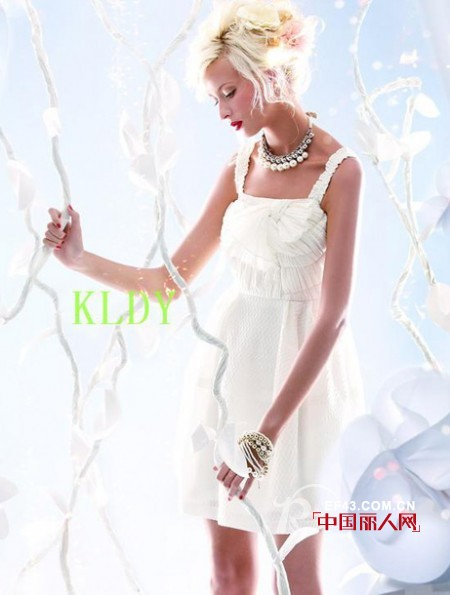克洛迪雅品牌女装 诠释现代女性风情