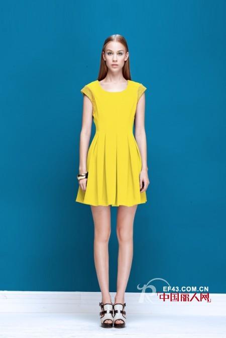 穿什么连衣裙比较显瘦 手臂粗的人穿什么连衣裙