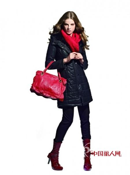 A/E连奴女装   红与黑浓情色调温暖冬日的衣橱