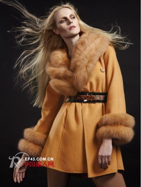 简爱女装冬季驼色大衣 穿出欧美范儿