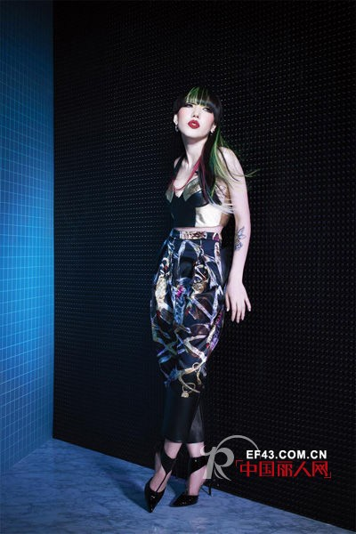 Belle Sauvage携手吴莫愁 跨界演绎时尚先锋