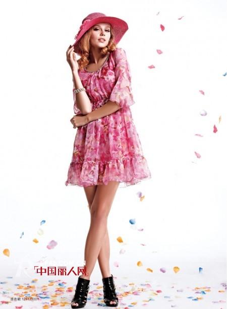 薰奈儿女装 用浪漫色彩点亮爱的季节