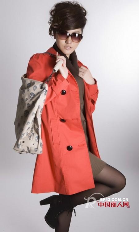 十年红品牌女装 追求时尚与浪漫的中国精神