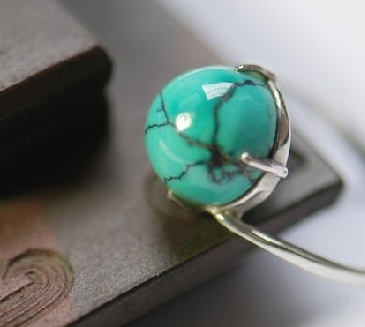 Premium turquoise price comparable to gold 200 yuan per gram