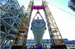 Sichuan Petrochemical ethylene oxide reactor hoisted successfully