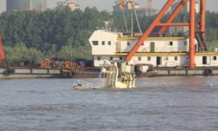 Nanjing sinks uncontaminated drinking water from seagoing vessels