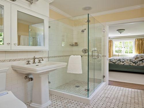 Install shower room Raiders