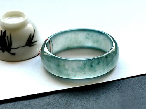 How to evaluate the jade bracelet