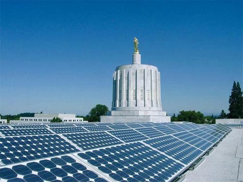 Global photovoltaic industry prosperity hidden behind the crisis