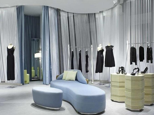 Fashion women's shop decoration from three aspects