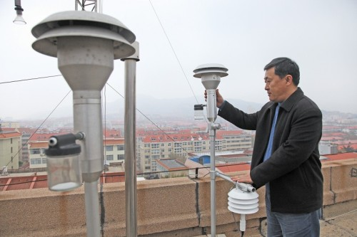 Environmental monitoring needs high-definition intelligence to deal with air pollution